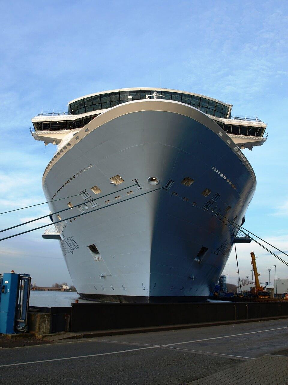cruise-ship-665678_1280 (1)